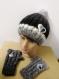 Ensemble bonnet et mitaines gris femme avec pompon fourrure