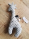 Doudou girafe avec pouet pouet