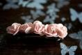 Barrette aux petites roses pour chevelure