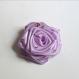Rose en satin, fleurs en tissu pour mariages, cérémonies, boutonnières, bijoux, broches, cheveux, accessoire, décoration.....
