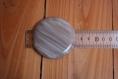 Grand bouton rond gris de 6 cm