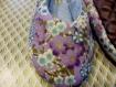 Chaussons kimono fleuri mauve et notes de bleu/doré