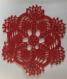 Napperon au crochet (modèle n°3) 18 cm rouge