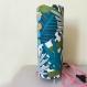 Lampe originale, chic et moderne à poser, lampe de chevet, luminaire, abat-jour tissu, motif tropical, polyphane anti feu