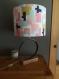 Lampe originale, chic et moderne avec un cercle de tonneau de vin recyclé et son socle en bois, luminaire, bureau, entrée, atelier