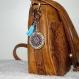 Porte clé rond 4cm + attache, décor mandala bleu et breloque tour eiffel