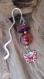 Papillon émaillé rose, rouge et violet ; marque page, perle en verre. signet, bijou pour tenir la page de votre