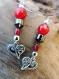Boucles d'oreilles coeur en argent tibétain, perle rouge et hématite. attache en argent.