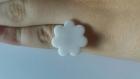 Bague enfant réglable fleur blanc pailleté