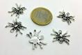 X1 breloque  - araignée arachnide halloween - en metal argenté - bijoux customisation