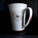 Mug papillon. porcelaine fine française. peint à la main.