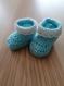 Chaussons layette crochet  (6 mois) bleu / blanc (sur commande)