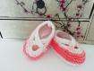 Chaussons layette tricot  (3-6 mois) blanc / rose saumon