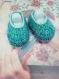 Chaussons 3 mois- bleu-vert / blanc layette crochet