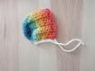 Ensemble brassiere - bonnet 3 mois ( crochet layette arc en ciel /blanc)