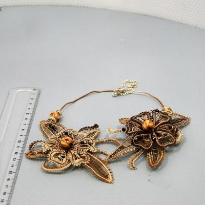 Collier/collier fleuri/bijou femme/accessoire mode/dentelle/collier artisanal/femme