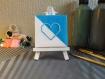 Petite toile brodée cœur bleu