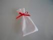 Mini sachet vide blanc et lien de nouage rouge