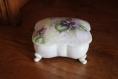 Petite boite en porcelaine