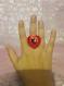 Bague bouton coeur en nacre rouge et noir