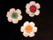 Lot de 3 très belles petites fleurs trois couleurs