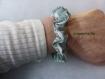 Chouchou ou bracelet tissu vert dessins blancs