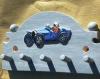Support de clés en bois peint: bugatti de course .
