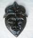 Masque africain en céramique émaillée