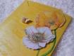 Carte pour anniversaire fleurs et papillon jaune blanc