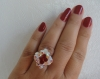 Bague losange blanc nacré et rouge siam en perles de cristal swarovski (petit modèle )