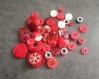 Lot de boutons rouges pour créer