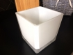 Petit pot décoratif en verre carré
