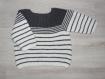 Pull brassière bébé 3 - 6 mois gris souris et blanc tricoté main - cadeau naissance