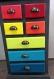 Petit meuble chiffonnier en bois massif avec tiroirs multicolores avec plateau en béton ciré gris anthracite