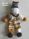 Doudou poupée clown - souple - hauteur 42 cm - en laine - coloris dégradé marron tricoté à la main - cadeau anniversaire enfant fille garçon