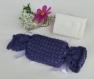 Étui pochon senteur - porte savon - en laine - tricoté main - coloris violet - savon artisanal parfum magnolia - idée cadeau de noël femme fête des grands mères