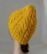 Bonnet femme en laine jaune, tricot point torsades irlandais, tricoté main, accessoire mode automne hiver