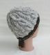 Bonnet irlandais homme ou femme, en laine tweed beige, tricot point à torsades, tricoté main, bonnet d' hiver, cadeau saint valentin