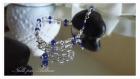 Un bracelet wire wrap bleu
