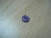 Bouton forme ronde violet nacré creux   2-28
