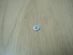 Cinqs petit boutons forme rond plastique bleu pale    19-119