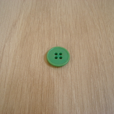 Boutons plastique vert avec rebord  3-73
