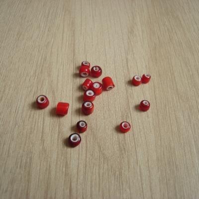 Lot de seize perles bicolor rouge et blanc   25-55