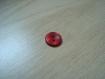 Boutons forme ronde rouge nacré en creux   6-29