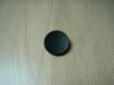 Gros bouton à queu noir mat surface creuse  29-58