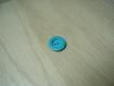 Bouton rond bleu turquoise creux centre  28-8