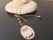 Collier sautoir avec perles nacrées grises et noirs et cabochon chat siamois fille