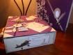 Valise urne en carton réalisée en scrapbooking et totalement customisée selon votre thème de cérémonie