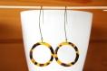 Boucles d'oreilles pendante, anneau créole, acétate de cellulose, écaille de tortue, idée cadeau, anniversaire, noël, mariage