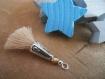 Un pompon beige cône argenté perle verre tchèque bronze